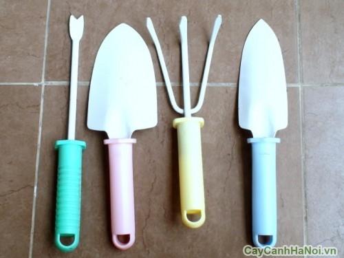 Bộ dụng cụ làm vườn gồm 4 vật dụng
