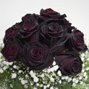 Hoa Hồng Đen đôi khi cũng được dùng làm hoa cưới
