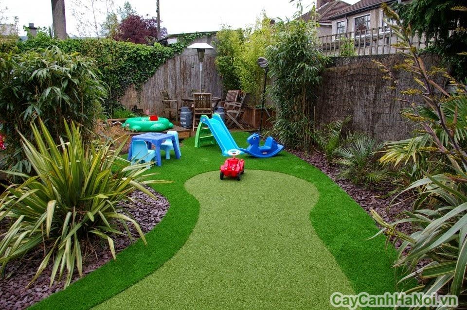 Không gian chơi trong sân vườn của các bé