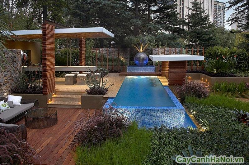 Sân vườn hiện đại với thảm gỗ