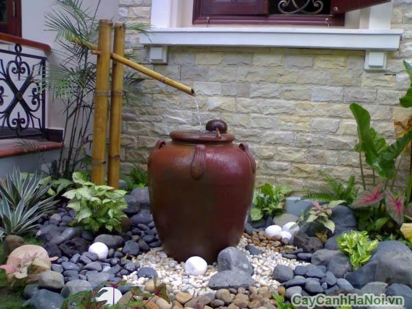 Tiểu cảnh hiện đại với đá và nước